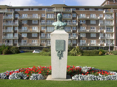 Captain Matthew Webb Statue in Dover